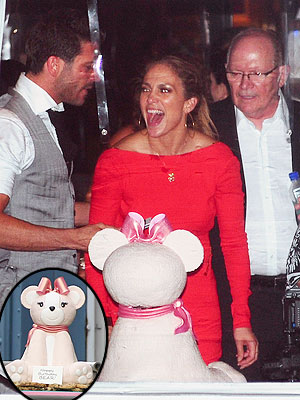 Jennifer Lopez Stuns at Surprise Party| New York, Birthday, Caught in the Act, Casper Smart, Jennifer Lopez, Private Party