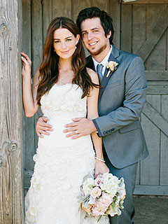 American Idol&#39;s Lee DeWyze & Bride Jonna Share First Wedding Photos