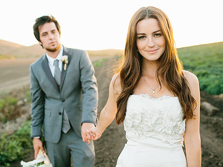 Lee DeWyze & His Bride Jonna Share First Wedding Photos| Weddings, American Idol, American Idol, Lee DeWyze