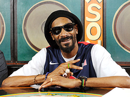 Snoop Dogg Changes Hame to Snoop Lion