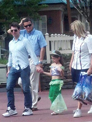 Tom Cruise, Suri Cruise Bond at Disney World