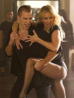 Kate Hudson Shows Lots of Leg as Dance Instructor on Glee | Kate Hudson