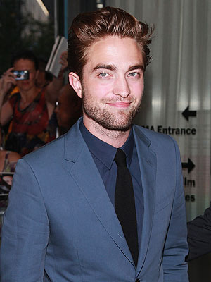 Robert Pattinson končno spet med ljudmi