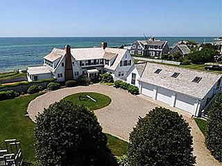 Taylor Swift Buys Home Near the Kennedys on Cape Cod| Couples, Celeb Real Estate, The Kennedys, Taylor Swift