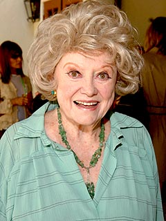 Phyllis Diller: Her Funniest Appearances (VIDEO)