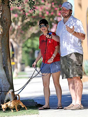 Anna Faris Baby Jack Born; See the Actress Step Out After Pregnancy