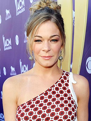 LeAnn Rimes in Treatment for Emotional Issues; Performing Concerts This Weekend