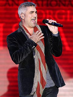 Taylor Hicks: Not Easy Opening for Clint & Mitt
