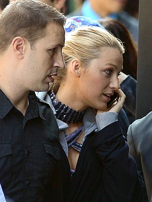 Blake Lively Returns to Work on Set of Gossip Girl