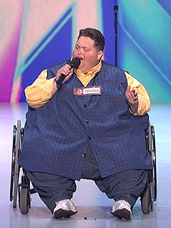 VIDEO: Simon Makes a Deal with 540-Lb. Contestant on The X Factor