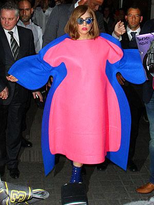 Lady Gaga Shows Off Curvy Figure in Paris| Health, Bodywatch, Lady Gaga