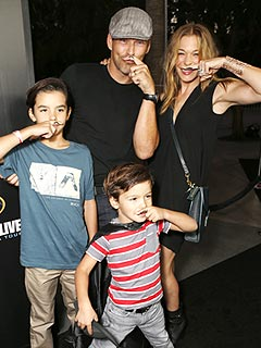 LeAnn Rimes Strikes a (Funny) Pose with Family Post-Treatment | Eddie Cibrian, LeAnn Rimes