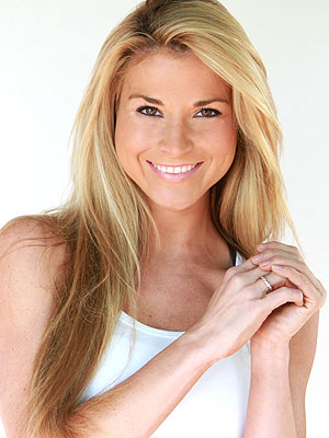 Diem Brown Blogs: I &#39;Became Wig Obsessed&#39;| Celebrity Blog, Diem Brown