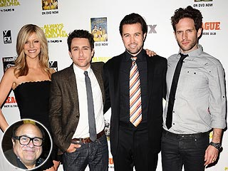 Always Sunny Cast &#39;Supports Both&#39; Danny DeVito & Rhea Perlman After Split