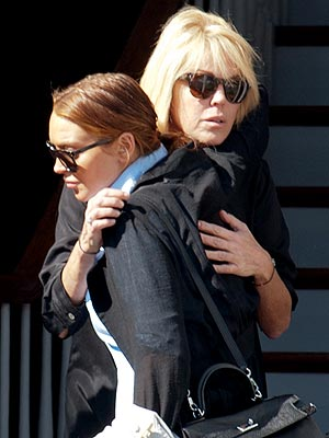Lindsay Lohan and Dina Lohan Dispute Brings Police to Long Island Home| Crime & Courts, Dina Lohan, Lindsay Lohan