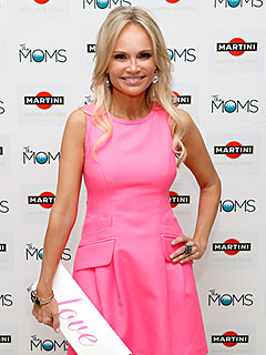 Kristin Chenoweth Still Dealing with Neck Injuries, Cracked Teeth After Accident | Kristin Chenoweth