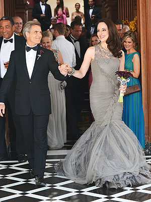 Madeleine Stowe's Victoria Grayson Wearing Vera Wang for Her Wedding| Revenge, StyleWatch, TV News, Madeleine Stowe