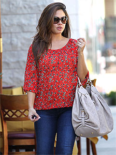 Vanessa Lachey Shows Off Post-Baby Body in Skinny Jeans | Vanessa Minnillo