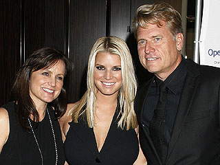 Jessica Simpson's Parents Are Officially Divorced | Jessica Simpson, Joe Simpson