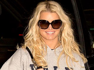 How Jessica Simpson Is Coping with Her Parents' Split