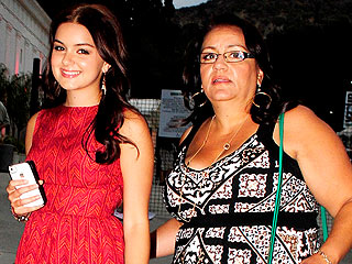 Ariel Winter to Stay with Sister, Dad to Oversee Estate