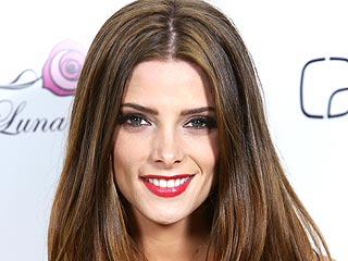Ashley Greene Hopes Rob & Kristen Drama Doesn't 'Taint' Twilight | Ashley Greene