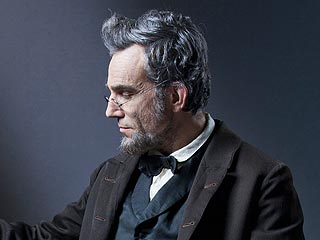 Lincoln Review: Daniel Day-Lewis Deserves an Oscar Nod | Daniel Day-Lewis
