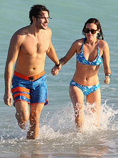 PHOTO: Rumer Willis Back on Beach in (Blue) Bikini