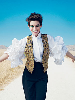 Anne Hathaway Credits Dried Oatmeal for Dramatic Weight Loss for Les Mis| Vogue, Les Miserables, Individual Class