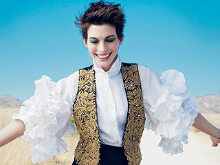 Anne Hathaway Ate Dried Oatmeal Paste to Lose Weight for Les Mis
