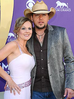 Jason Aldean & Wife Present United Front, Address His Photo Scandal