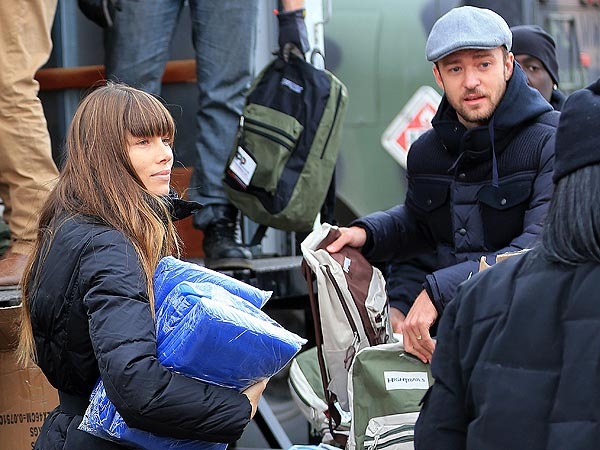Justin Timberlake,  Jessica Biel Volunteer for Superstorm Sandy Relief