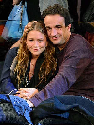 Mary-Kate Olsen Dating Olivier Sarkozy; Pictures of Them at Basketball Game