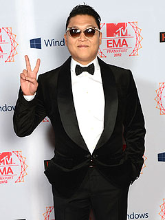 Giddy Up – 'Gangnam Style' Rapper Psy Lassos American Music Award
