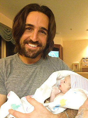 Jake Owen Welcomes Daughter Olive Pearl