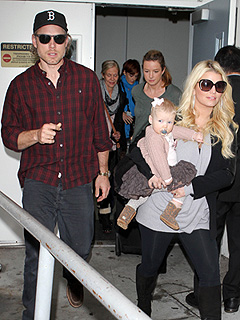 PHOTO: Jessica & Baby Maxwell Make a Stylish Landing in L.A. | Eric Johnson, Jessica Simpson