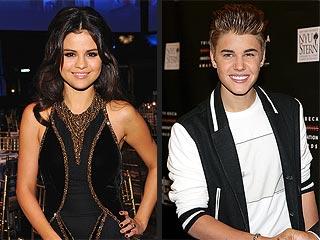 Justin & Selena Get Cozy in Vegas Before Billboard Awards | Justin Bieber, Selena Gomez