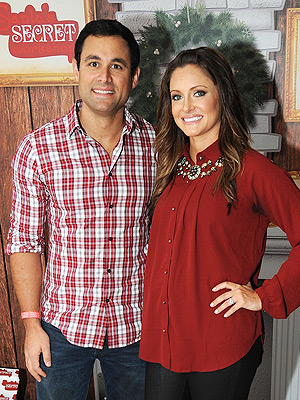 Jason and Molly Mesnick Pregnant: Baby Bump Photo