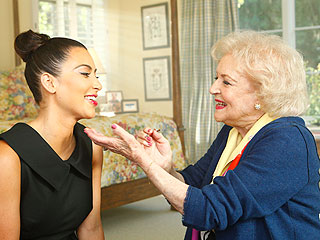 PHOTO: Betty White Does Kim Kardashian's Makeup | Betty White, Kim Kardashian