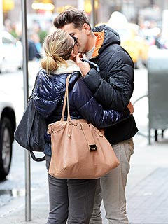 PHOTO: Scarlett Johansson Kisses Her French Beau in New York | Scarlett Johansson