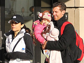 Bethenny Frankel's Ex Wants Primary Custody of Their Daughter: Report