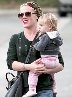 Pink Offers Sympathy for Kate's Pregnancy Woes