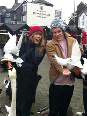Taylor Swift, One Direction&#39;s Harry Styles Tour Northern England
