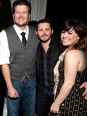 Kelly Clarkson Engaged to Brandon Blackstock; Blake Shelton Takes Credit