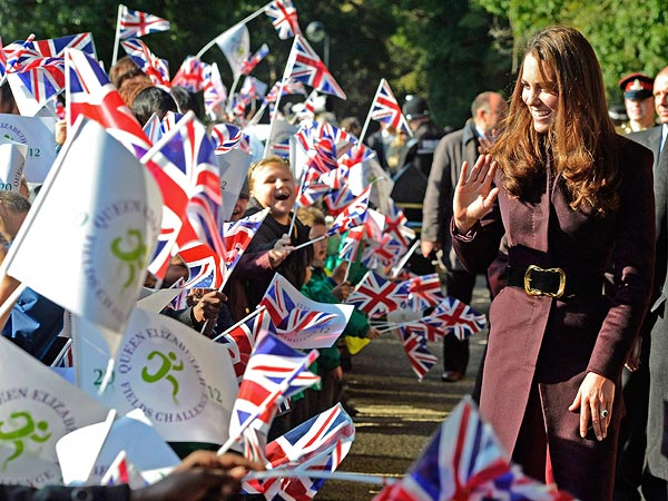 Kate Dazzles Onlookers as Queen of the … Garden?| The British Royals, The Royals, Kate Middleton, Prince William