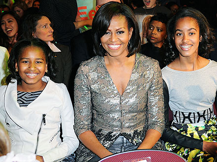 What Surprising Book Are the Obama Girls Reading this Summer?
