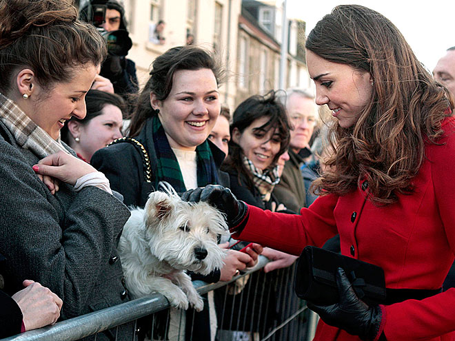CROWD PLEASER photo | Kate Middleton, Prince William