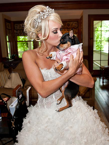 Gratuitous pet pictures animals in weddings beau coup blog for Who is carrie underwood married too