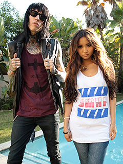 Trace Cyrus & Brenda Song Love Nesting with Their Dogs