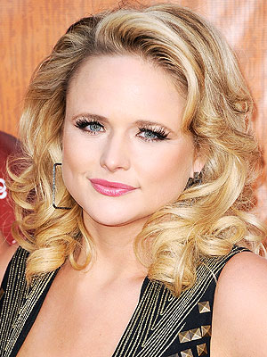 CMA Awards: Miranda Lambert to Perform